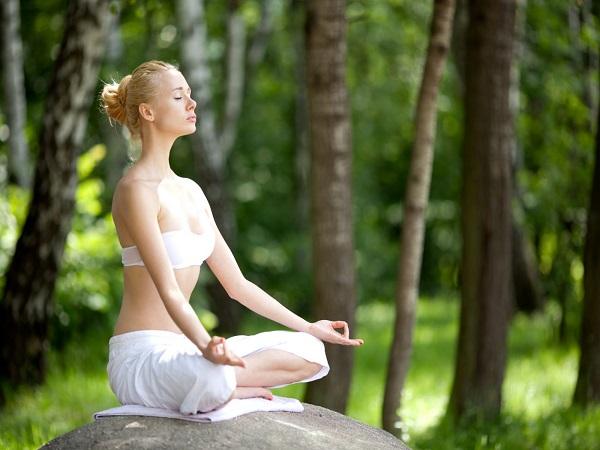 Cách hít thở trong yoga như nào là đúng?