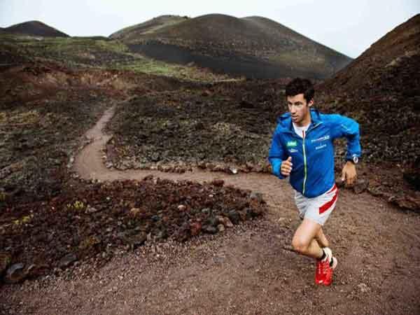 Đi bộ, chạy bộ leo dốc đốt cháy bao nhiêu calo?