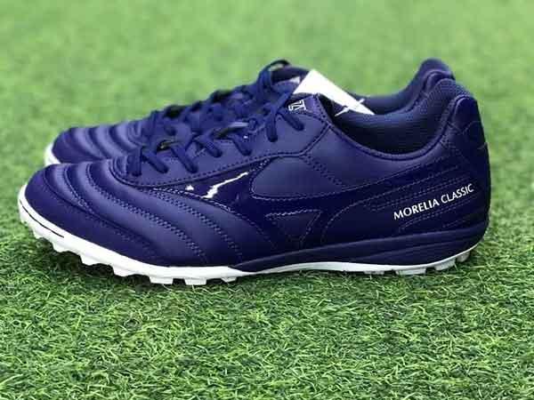 Chọn giày bóng đá có size phù hợp với chân