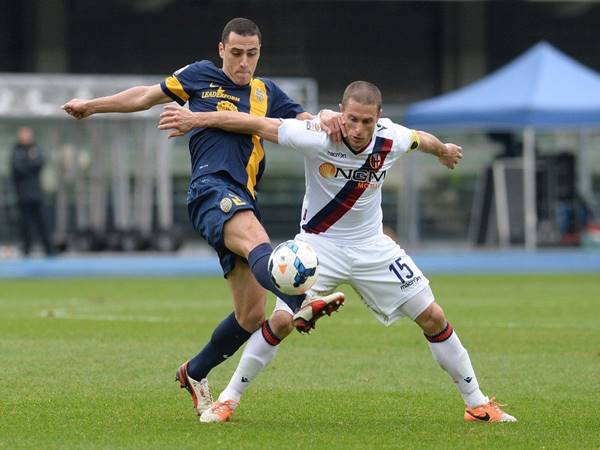 Phân tích kèo Châu Á Verona vs Bologna (1h45 ngày 18/5)